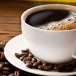 Jejum intermitente pode tomar café com adoçante