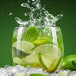 Pode beber água com limão no jejum intermitente