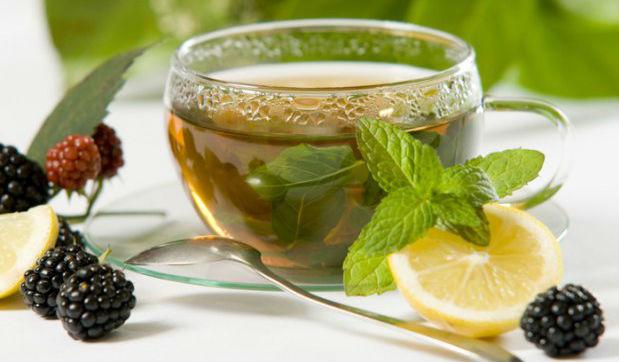 Como fazer chá de folha de amora